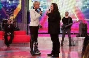 Xuxa usa bota ortopédica em programa após acidente em gravação com Luan Santana