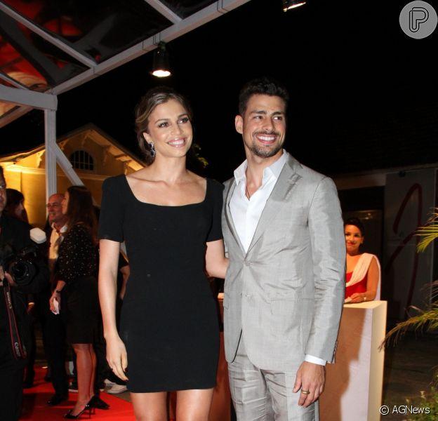 Grazi Massafera e Cauã Reymond terminaram o casamento de seis anos em 2013. Isis Valverde foi apontada como pivô da separação. O ex-casal tem uma filha, Sofia, de 1 ano