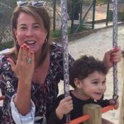 Zilu Godoi brinca em balança com os filhos de Wanessa em praça: 'São heranças'
