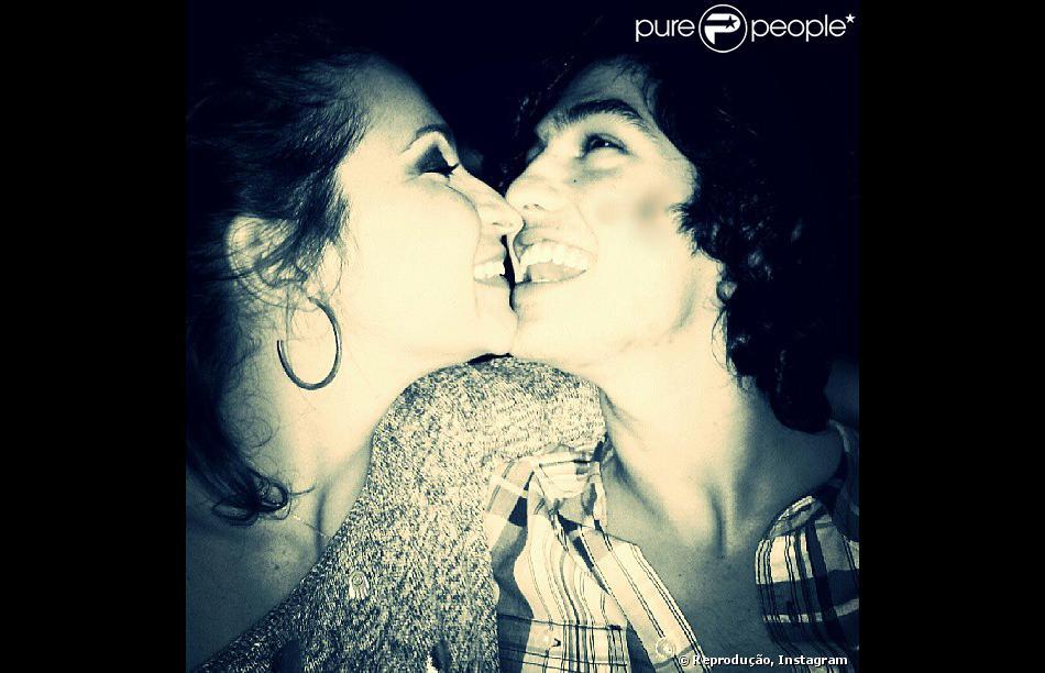 Atriz de 'Pé na Cova', Sabrina Korgut, de 36 anos, e ator de 'Malhação', Gabriel Leone, de 20 anos, estão namorando há 7 meses