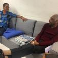 Zeca Pagodinho bate um papo descontraído com Gilberto Gil pelos bastidores das Olimpíadas 2016