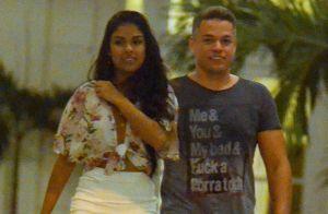 Ex-BBB Munik vai a restaurante com o novo affair, Anderson Felício. Veja fotos!