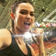 Thaila Ayala vibrou com as medalhas de prata e bronze de Diego Hypólito e Arthur Nory na Olimpíada do Rio 2016
