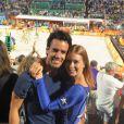 Marina Ruy Barbosa e o noivo, Xandinho Negrão, foram à final do vôlei de praia masculino em Copacabana, Zona Sul do Rio