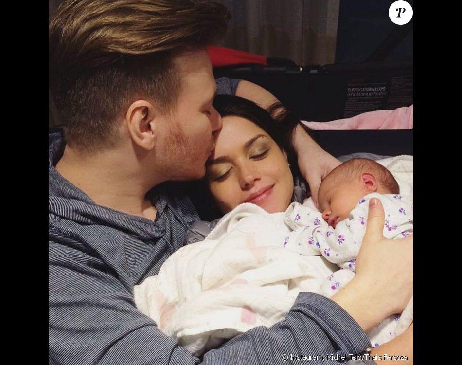 Michel Teló e Thais Fersoza criam Instagram para filha, Melinda, como confirma assessoria do cantor nesta sexta-feira, dia 12 de agosto de 2016