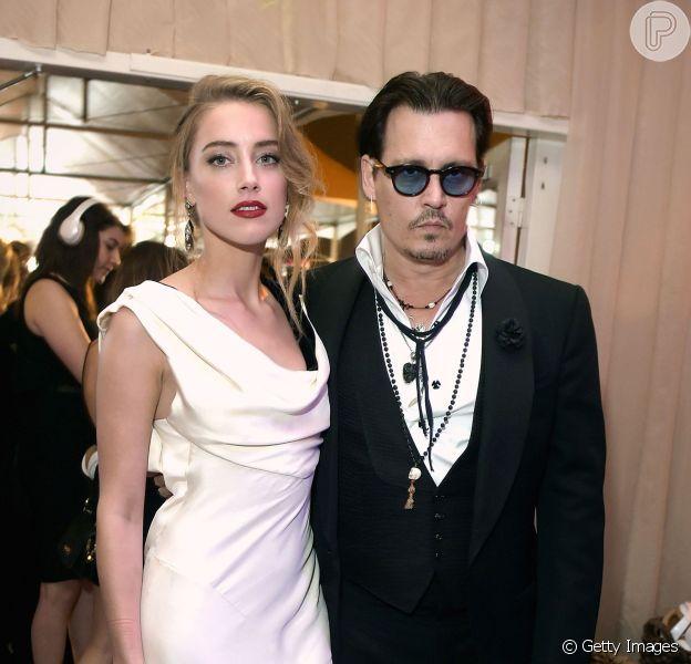 Johnny Depp aparece furioso em vídeo divulgado pela ex-mulher, Amber Heard, ao site TMZ na última sexta-feira, dia 12 de agosto de 2016