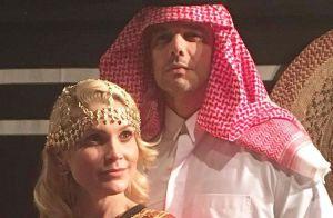 Flávia Alessandra fura fila ao visitar Casa do Qatar com família, diz colunista