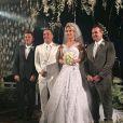 Wesley Safadão e Thyane Safadão tiveram um casamento ostentação: no  Terminal Marítimo de Fortaleza, a noiva usou um vestido de R$ 72 mil em uma cerimônia avaliada em R$ 1,5 milhão, realizada no dia 1º de agosto de 2016