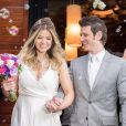 Mariana Santos, do Zorra Total, trocou as alianças com o noivo, Rafael Velloni, em São Paulo, no dia 07 de agosto de 2016