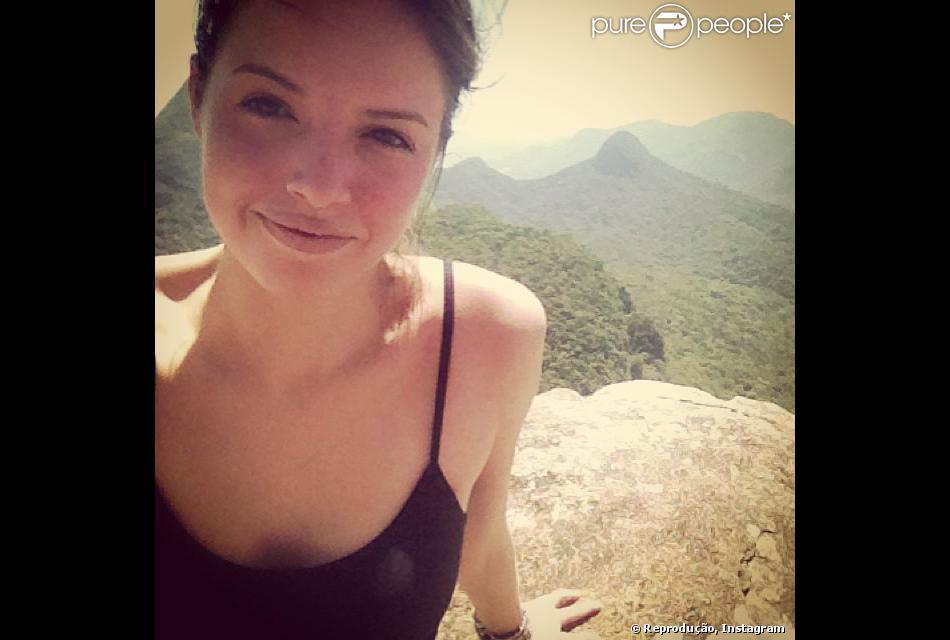 A atriz Agatha Moreira, ex-'Malhação', começou o processo de caracterização de Gisele, sua personagem na próxima novela das nove, 'Em Família', nesta segunda-feira, 25 de novembro de 2013
