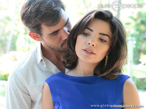 Aline (Vanessa Giácomo) dopa César (Antonio Fagundes) e vai ficar com  Ninho (Juliano Cazarré), em 'Amor à Vida', em 2 de dezembro de 2013