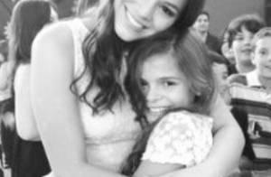 Bruna Marquezine posa com a irmã e se derrete: 'Princesa! Está crescendo!'