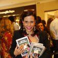 Narcisa Tamborindeguy adquiriu vários exemplares do livro de Boni, em 10 de dezembro de 2013