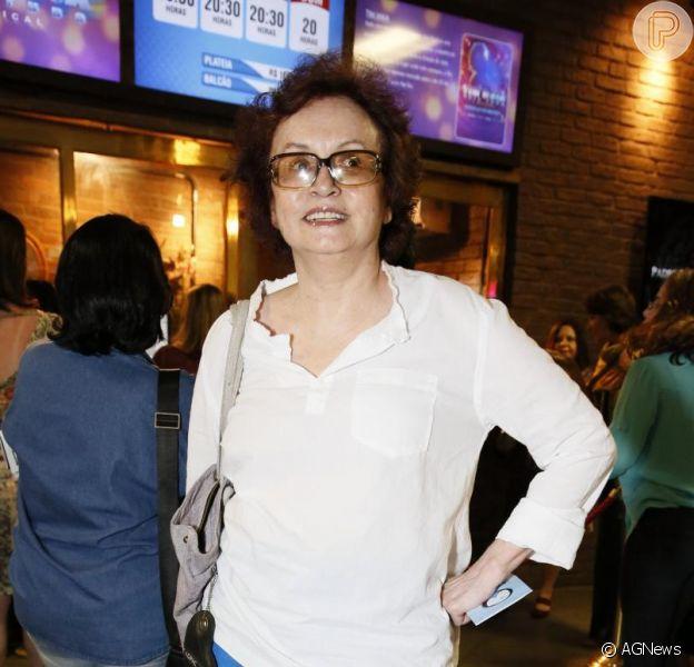 Joana Fomm comemora a volta à TV em conversa com Purepeople (12 de dezembro de 2013)