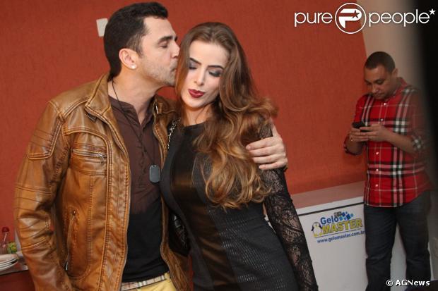 Latino e Rayanne Morais vão se casar no Copacabana Palace em uma cerimônia que vai custar R$ 1,2 milhão, em 14 de dezembro de 2013