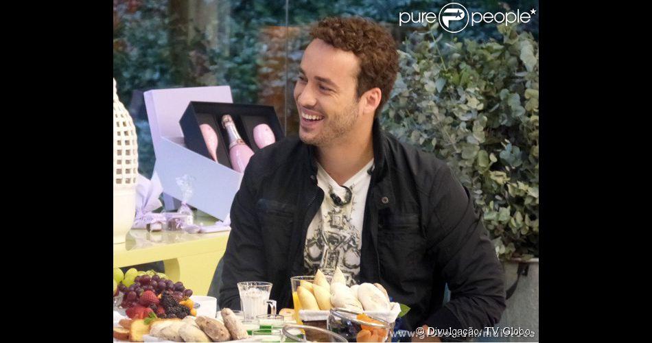 Recentemente, Rodrigo Andrade revelou à apresentadora Ana Maria Braga que já vendeu queijo na porta do Projac antes de ser famoso