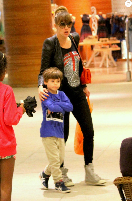 Leticia Birkheuer é mãe de João Guilherme Furmanovich, de 5 anos, fruto do relacionamento com o ex-marido, Alexandre Furmanovich