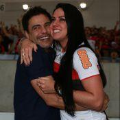 Zezé Di Camargo explica choro da namorada em jogo: 'Nunca tinha ido ao Maracanã'