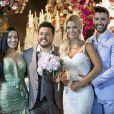 Gusttavo Lima e Andressa Suita posam com Bruno, da dupla com Marrone e a esposa, no casamento