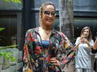 Claudia Leitte reclama de calor em desfile do SPFW: 'Axila está derretendo'