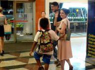 Drica Moraes passeia com o filho, Matheus, e o marido em shopping. Veja fotos!