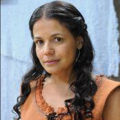 Nivea Stelmann grava 'A Terra Prometida' com gesso no braço após queda: 'Truque'