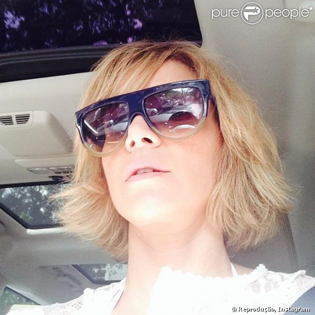 Christine Fernandes corta o cabelo e publica foto no Instagram em 23 de dezembro de 2013