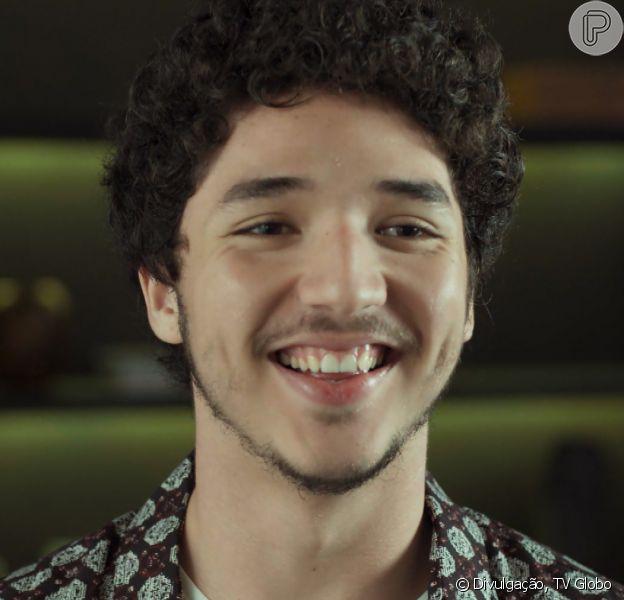 João Vitor Silva contou que não se identifica com seu personagem em 'Rock Story', na noite desta segunda-feira, 31 de outubro de 2016