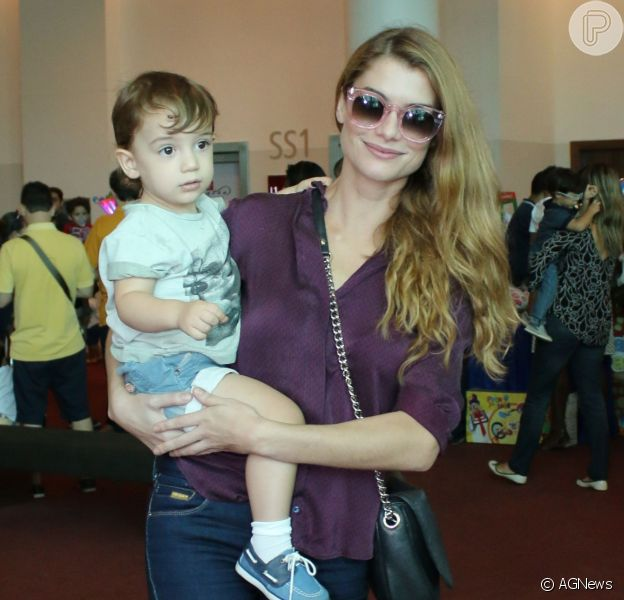 Alinne Moraes admite ser uma mãe tensa com o filho, Pedro, em entrevista nesta quarta-feira, dia 02 de novembro de 2016