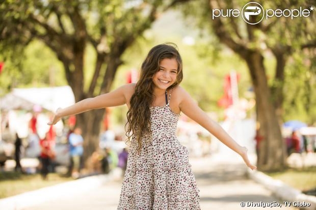 Luana Marquezine, irmã de Bruna Marquezine, aparece em novas fotos da novela 'Em Família' (23 de dezembro de 2013)