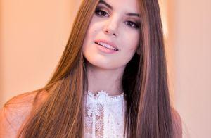 Camila Queiroz troca dicas de beleza com fãs na web: 'Gosto de saber opinião'
