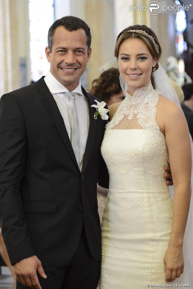 Paloma (Paolla Oliveira) e Bruno (Malvino Salvador) reatam casamento, em 'Amor à Vida', em 6 de janeiro de 2014