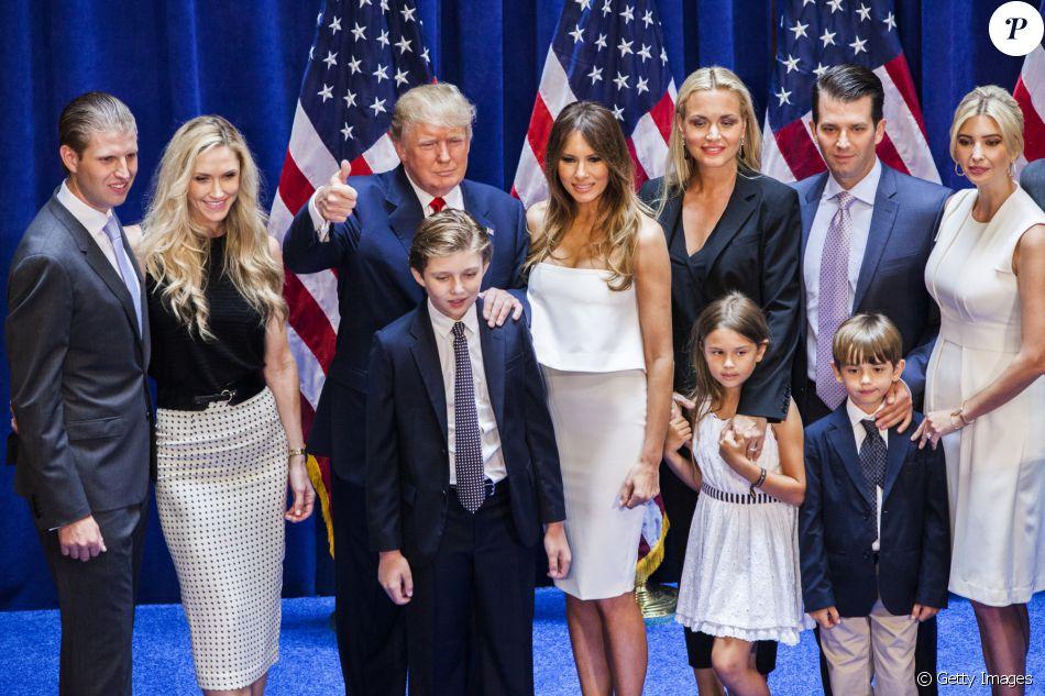 Foto de família: Eric Trump, Lara Yunaska Trump, Donald Trump, Barron Trump,  Melania Trump, Vanessa Haydon Trump, Kai Madison Trump, Donald Trump Jr.,  Donald Jo - Purepeople