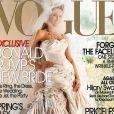 O vestido de noiva usado por Melania Knauss no seu casamento com Donald Trump foi da grife Christian Dior. Ela posou para capa da revista 'Vogue' usando o modelito, que pesava cerca de 22 quilos!