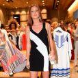 Marina Ruy Barbosa exibe boa forma em inauguração de loja em São Paulo