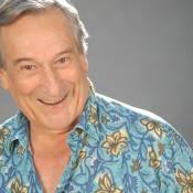 Paulo Goulart celebra 81 anos após tratar câncer e com projeto de escrever livro