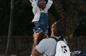 Bruno Gagliasso leva a filha, Títi, a festa de aniversário de um ano do sobrinho
