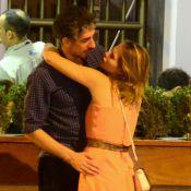 Letícia Colin e Michel Melamed trocam carinhos e andam de mãos dadas no Rio