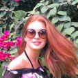 Marina Ruy Barbosa não desgrudou do óculos de som Parda