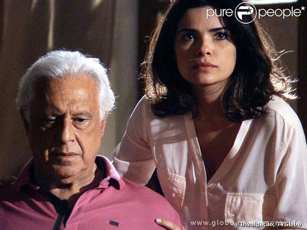 Em 'Amor à Vida', César (Antonio Fagundes) está desconfiado de que Aline (Vanessa Giácomo) o está traindo e pede ajuda de Rebeca (Paula Braun) para descobrir. Ele promete à médica que, se for verdade a traição, vai matar a vilã