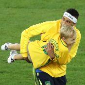 Neymar faz exercícios acompanhado do filho, Davi Lucca: 'Treinando com o papai'
