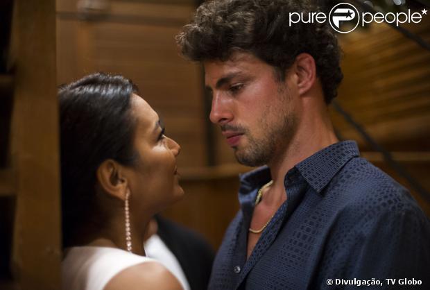 Em cena, Celeste e Leandro vivem um tórrido romance