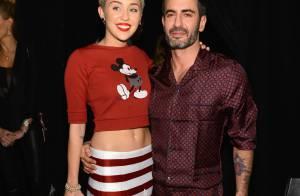 Miley Cyrus é a estrela da campanha de verão do estilista Marc Jacobs