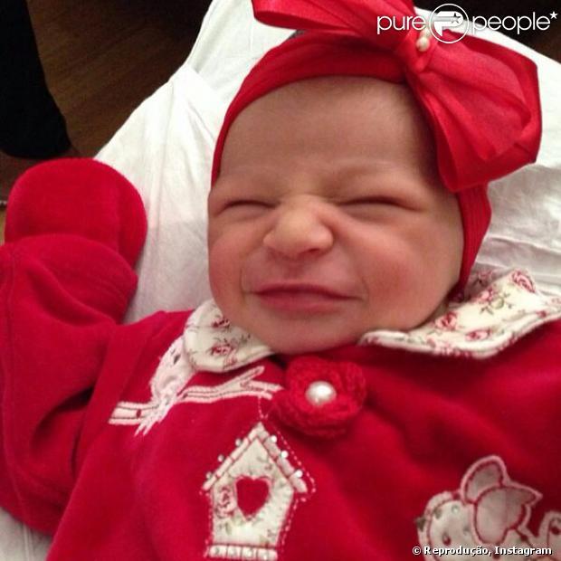 Lara nasceu na madrugada desta sexta-feira, 10 de janeiro de 2014, na Perinatal, no Rio de Janeiro