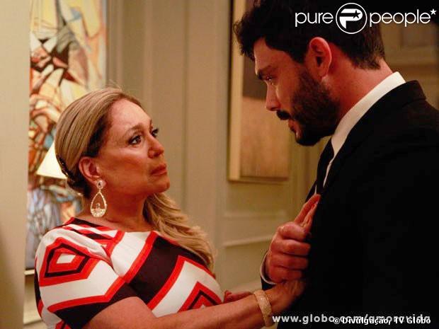 Pilar (Susana Vieira) se casa com Maciel (Kiko Pissolato) em 'Amor à Vida', em 20 de janeiro de 2014