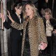 Kate Moss deixa restaurante onde comemorou sem 40° aniversário visivelmente alterada