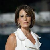Gloria Pires impressiona pela boa forma de biquíni em foto e fã elogia: 'Arrasa'