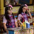 Frida (Sienna Belle) e  Bárbara (Renata Randel)  trocam chocolate por votos para conseguirem vencer a eleição de represente de turma, na novela 'Carinha de Anjo'