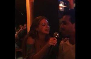Marina Ruy Barbosa e o noivo se divertem em noite de karaokê, em Noronha. Vídeo!