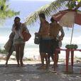 Débora Nascimento e José Loreto curtem praia da Barra da Tijuca, na Zona Oeste do Rio de Janeiro, em 21 de janeiro de 2014